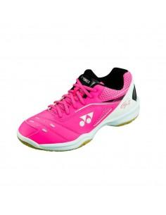 Chaussures de badminton...